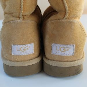 UGG classic tall boots chestnut